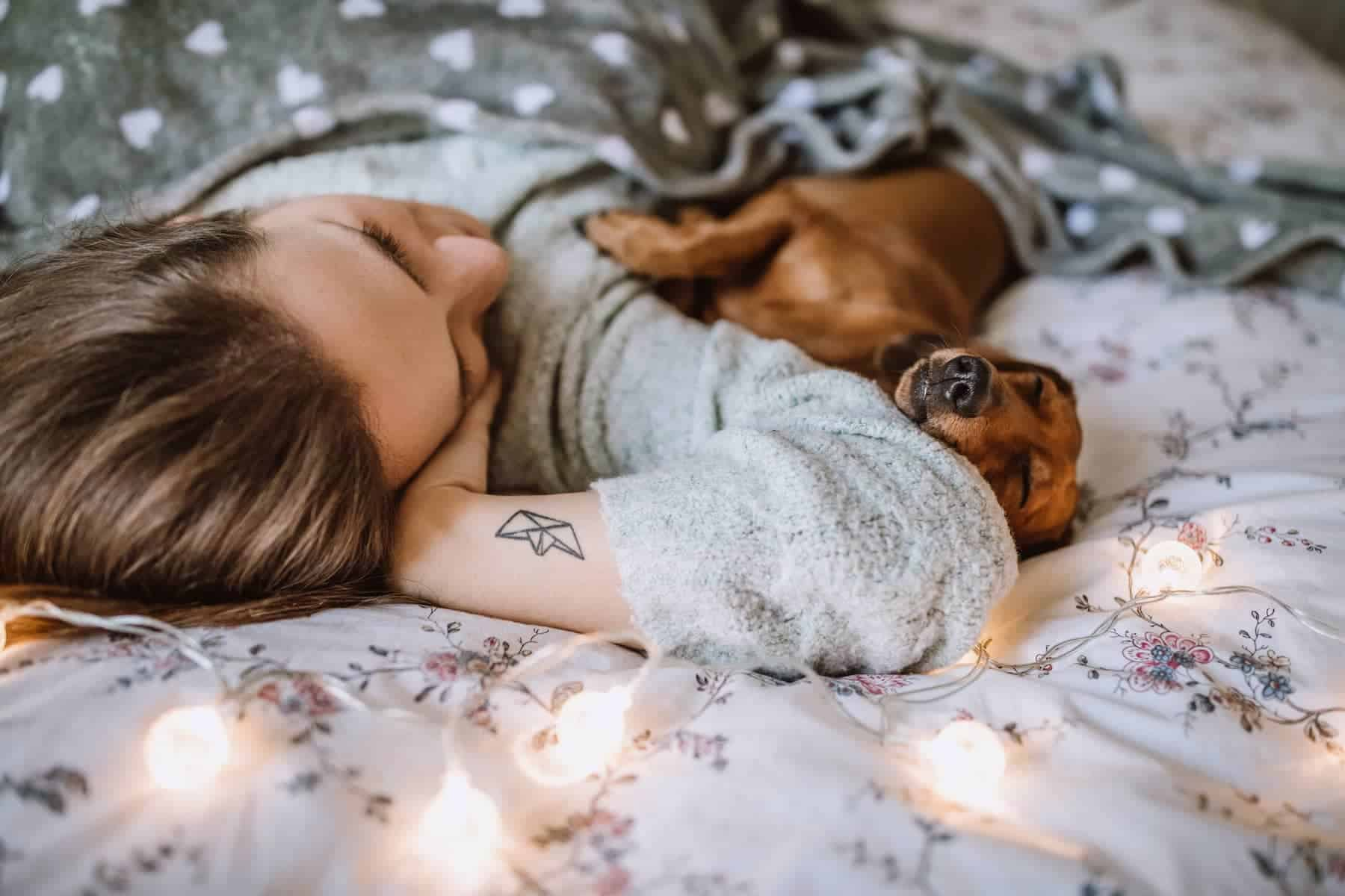 Slider_Girl and dog on bed_1800x1200C